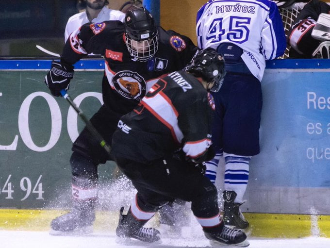 Hockey Hielo: espectacular remontada del Majadahonda tras 30 decisivas paradas del portero del Jaca (4-3)