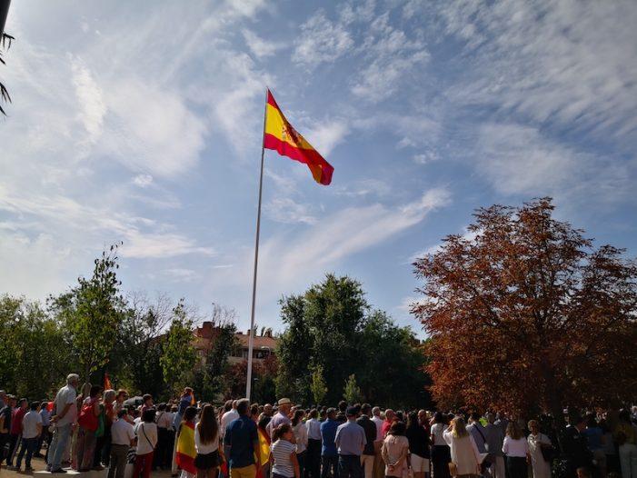 Masiva asistencia en Majadahonda a los actos de Homenaje a la Bandera y la Hispanidad