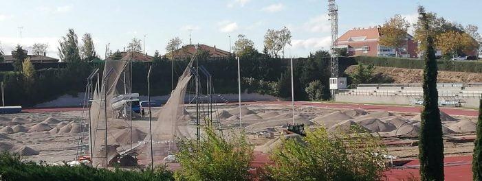 31 deportistas del Club Atletismo Majadahonda piden al alcalde una respuesta sobre las obras de la pista del Valle del Arcipreste