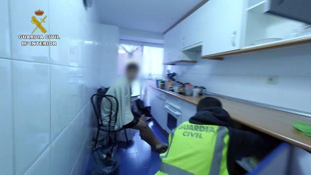 Un paraguayo de Majadahonda con antecedentes agrede a una joven de Las Rozas para robarle