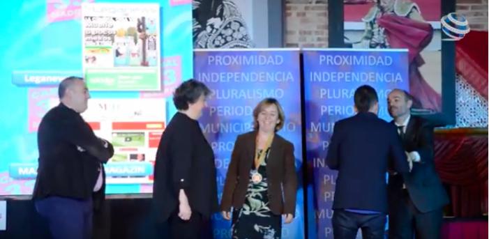 """El vídeo de la inolvidable noche en que premiaron a Majadahonda Magazin: """"El periodismo es democracia"""""""