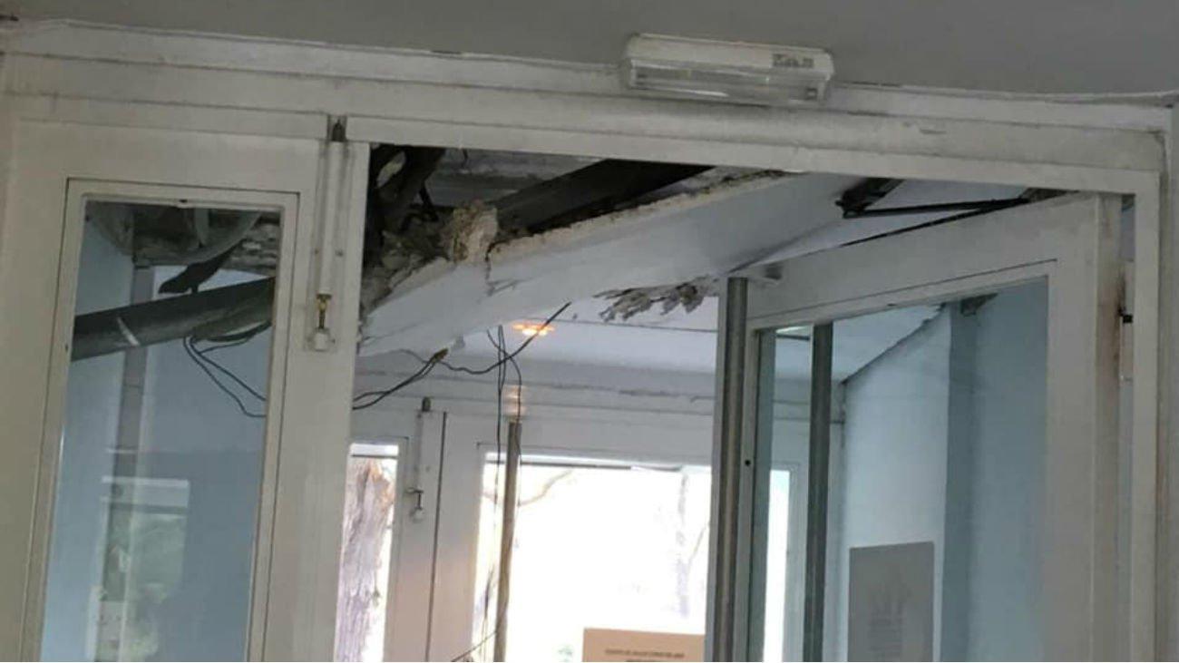 Revuelo en el Centro de Salud Cerro del Aire en Majadahonda tras la caída de un falso techo