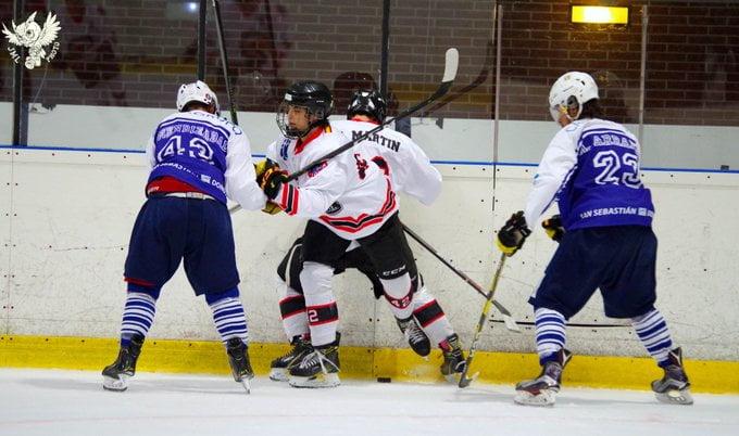 """Hockey Hielo: un Majadahonda """"desatado"""" vence por sorpresa al campeón Txuri Urdin, ejemplo de deportividad"""