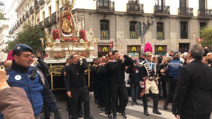 """Cinco """"anderos"""" de Majadahonda en la procesión de la Almudena de Madrid"""