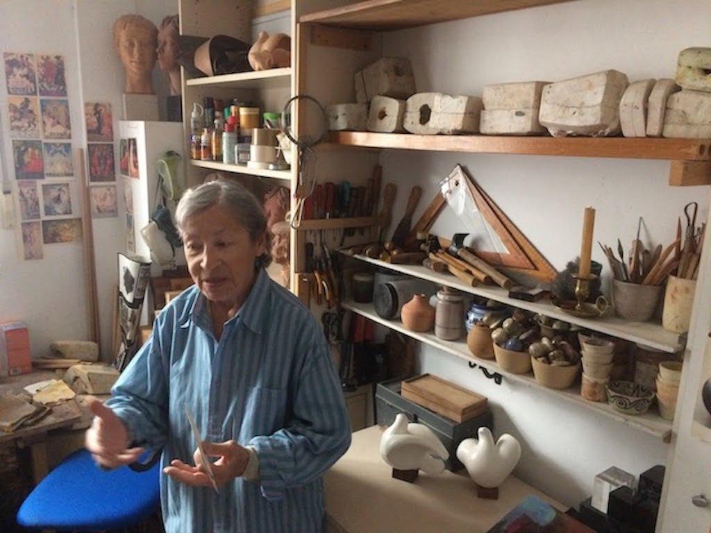 """Maestros y Premios de una escultora """"discreta"""": 90º aniversario en Majadahonda de Carmen Perujo (IV)"""