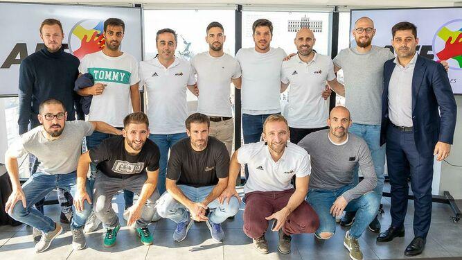 Los futbolistas del Rayo Majadahonda eligen a Charlie Dean ante la AFE y piden renovar los campos de césped artificial