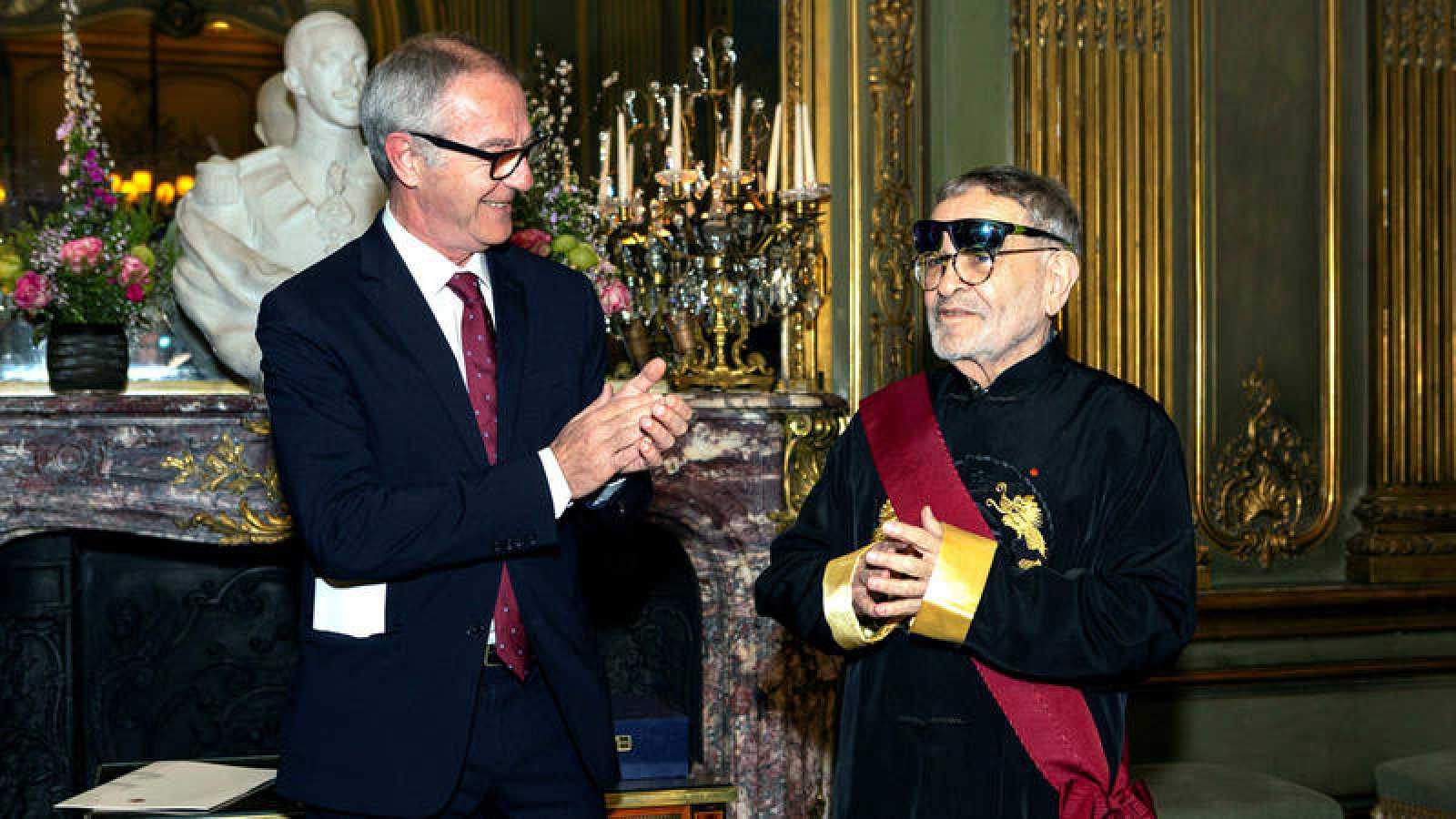 """Arrabal tras recibir la Gran Cruz de Orden Civil de Alfonso X el Sabio: """"España tiene un papel capital en la Modernidad"""""""