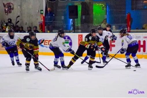 """Hockey Hielo: CH Jaca femenino justifica su abultada derrota en Majadahonda porque """"viajó muy mermado"""""""