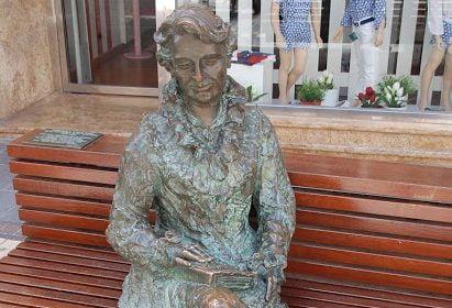 """Cartagena conmemora a Carmen Conde por el 90º aniversario de su """"Brocal"""" de la Sierra de Madrid"""
