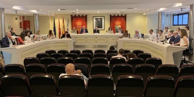 """El pleno de Majadahonda prepara un """"circo"""" con """"insultos"""" para debatir mociones nacionales"""