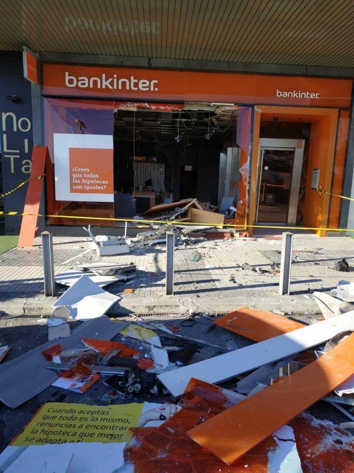 Fuerte alarma social en Majadahonda por el uso de una bomba para asaltar por segunda vez la sucursal de Bankinter en La Bolsa