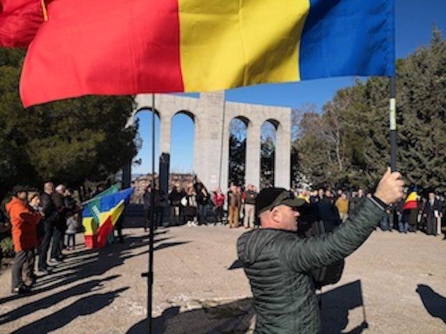 Asociación Monumento a los Soldados Rumanos homenajea al ex alcalde de Majadahonda Arturo Sanz y denuncia retrasos en su licencia urbanística