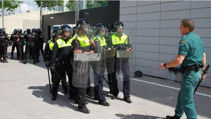 12 policías y 3 guardias civiles aislados en Majadahonda por posible coronavirus