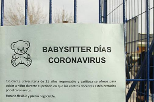"""Estudiantes universitarios de Majadahonda sin clase por el """"coronavirus"""" se ofrecen para cuidar y enseñar"""