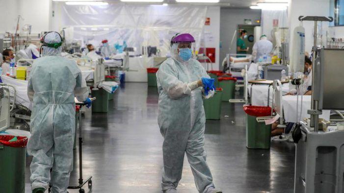 """Comunidad de Madrid traslada a sanitarios del Puerta de Hierro Majadahonda al nuevo Hospital del Covid """"Enfermera Isabel Zendal"""""""