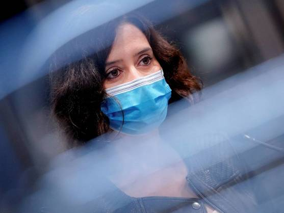 """Médicos del Puerta de Hierro Majadahonda contra Ayuso (PP): """"Pone en riesgo la salud"""""""