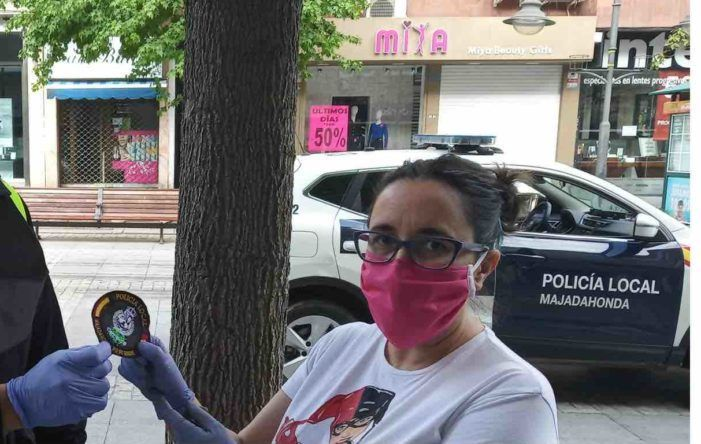 """Una voluntaria de Majadahonda: PP-Vox """"retienen"""" material sanitario en un almacén"""
