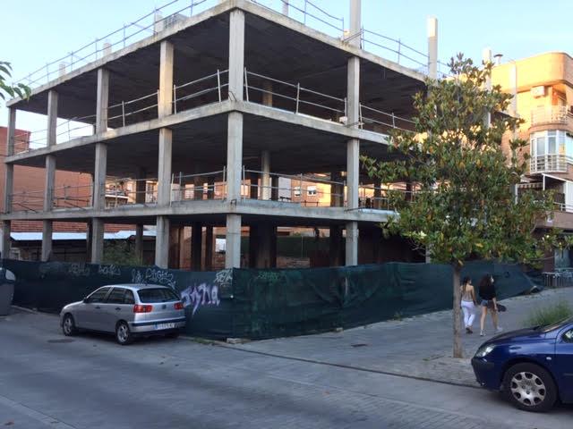 """Nueva denuncia urbanística en Majadahonda por el edificio """"fantasma"""" del Bulevar Cervantes"""