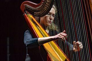 """Camille, profesora de arpa (Majadahonda): """"La música ha servido para escapar del sufrimiento"""""""