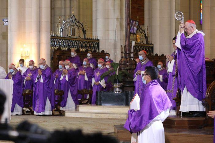 """Santa Genoveva (Majadahonda) en el funeral de la Almudena y dos ausencias: """"como mínimo, falta de delicadeza"""""""