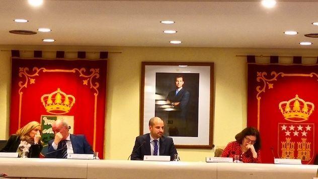 """El alcalde de Majadahonda descarta la oferta más barata y firma la concesión del """"informe AEDAS"""" a un bufete de Las Pedroñeras (Cuenca)"""