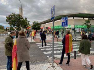 """""""¿Por qué no sacan las banderas del PP y de Vox en vez de la española?"""": 1º año de Gobierno en Majadahonda y durante la pandemia"""