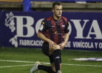 Rubén Mesa vuelve a Extremadura, Charlie Dean al Murcia, Jagoba y Andrade al Racing de Santander