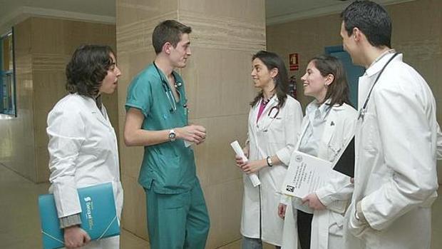 "Dr. Vargas (Majadahonda): ""Tenemos 14.000 médicos en casa cruzados de brazos"""