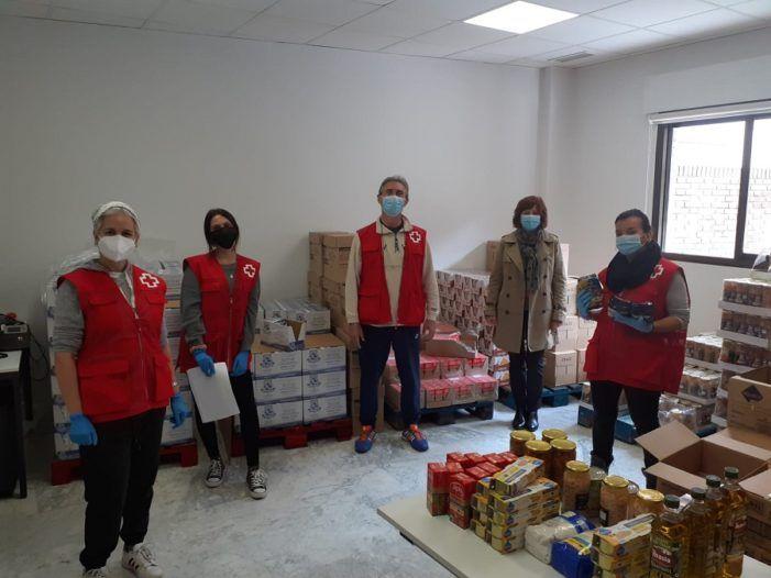 Cruz Roja Majadahonda-Las Rozas reparte 4.000 kilos de alimentos para un 20% más de personas que solicitan ayuda para comer