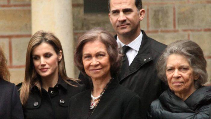 """Irene de Grecia, hermana de la """"reina emérita"""" Sofía, compra en el Mercadillo de Majadahonda"""