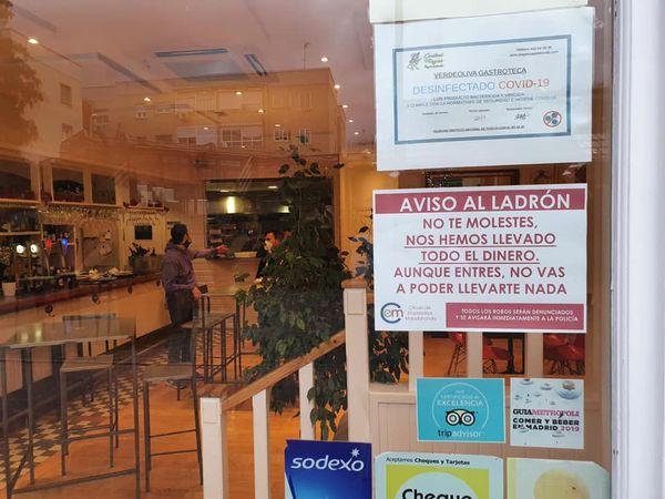 Roban 6 bares, 1 peluquería y una tienda de tatuajes en Majadahonda: el Ayuntamiento dice que bajan un 20%