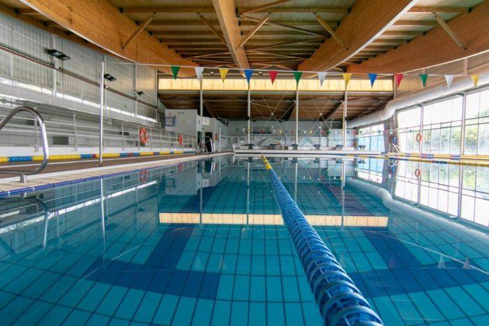 """""""Vecinos por Majadahonda"""" pide la dimisión del concejal de Deportes por el cierre de la piscina municipal"""