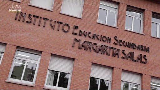 """Amazon dona ordenadores al Instituto Margarita Salas (Majadahonda): """"es una iniciativa fantástica"""""""