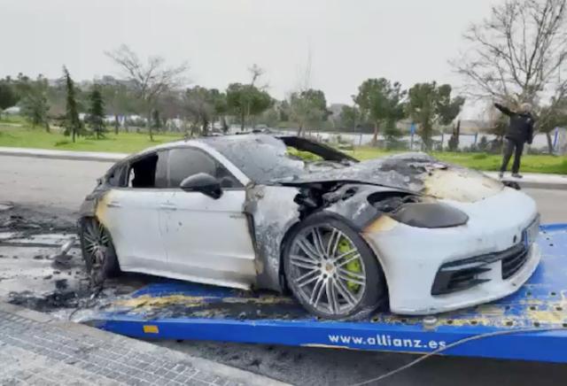 Arde un Porsche Híbrido de 95.000 € en Majadahonda pero la policía descarta que fuera intencionado