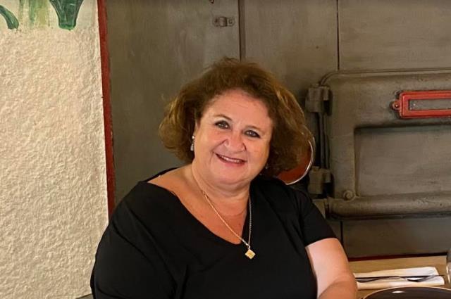 "Mercedes Piñeiro, voluntaria de Cruz Roja Majadahonda-Las Rozas: ""Sexo, política, persecución y pobreza extrema, principales motivos para emigrar"""