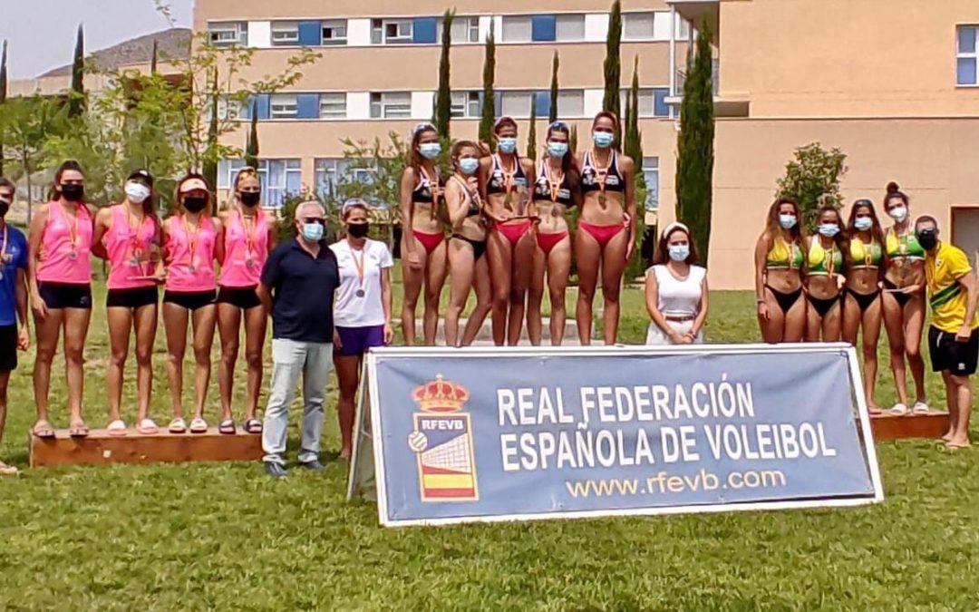 Voley Playa Majadahonda: las Sub 17, Tania Moreno y Belén Carro, campeonas y subcampeonas en sus torneos