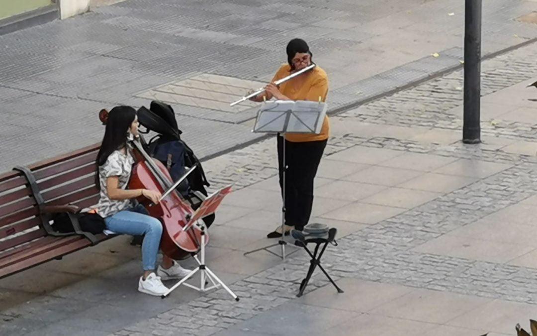 La policía local de Majadahonda expulsa a dos músicas clásicas de la Gran Vía